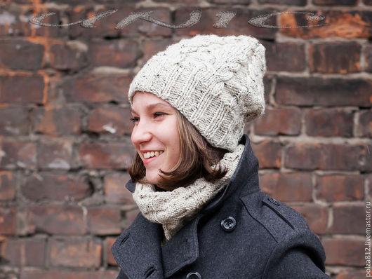 Белый, белая шапка, белый снуд, английский стиль, шапка, шапки, шапка вязаная, шапка женская, стильная шапка,  вязаный комплект, вязаный комплект, снуд, шапка и шарф вязаные, шапка и снуд вязаные, куп