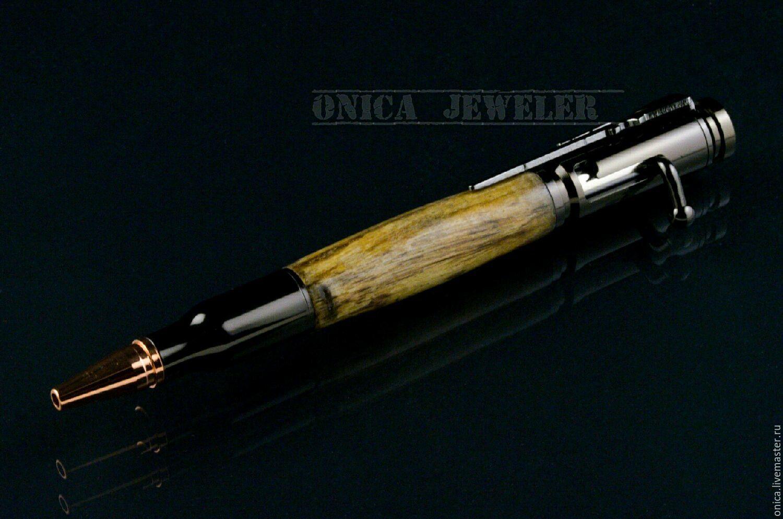 Подарочная Ручка стилизованная под винтовку Мосина. Фурнитура изготовлена из ювелирной бронзы. Стабилизированная древесина `тамаринд` отполирована до зеркального блеска.