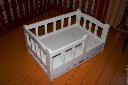 Аксессуары для собак, ручной работы. Ярмарка Мастеров - ручная работа. Купить кроватка для собаки. Handmade. Белый, подстилка, массив сосны