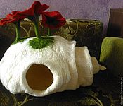 Для домашних животных, handmade. Livemaster - original item House for cats made of felt. Handmade.