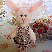 Куклы и игрушки ручной работы. Ярмарка Мастеров - ручная работа Маменькина дочка-войлочная Зая. Handmade.