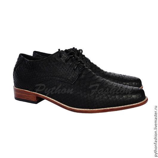 Мужские туфли из кожи питона. Классические мужские туфли из питона. Мужские туфли из кожи питона. Стильная мужская обувь из кожи питона. Туфли мужские ручной работы. Черные туфли из кожи питона.