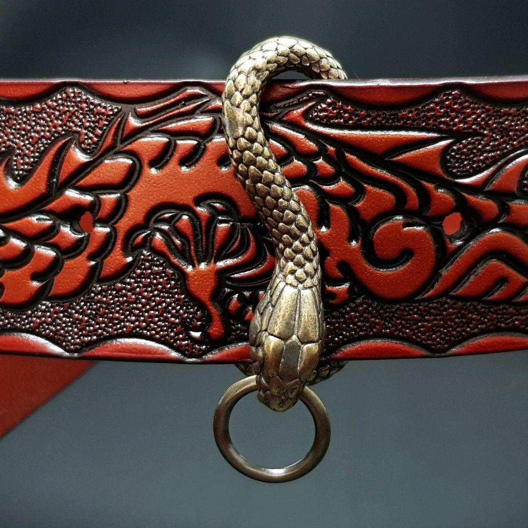 А01 Брелок на ремень в виде змеи. Материал латунь