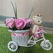 Букеты ручной работы. Ярмарка Мастеров - ручная работа Букет из мыльных роз 7шт в  велосипеде с мишкой. Handmade.