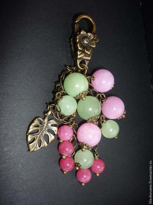 """Брелоки ручной работы. Ярмарка Мастеров - ручная работа. Купить Брелок для ключей, украшение на сумку """"Розовый букет"""". Handmade. Розовый"""