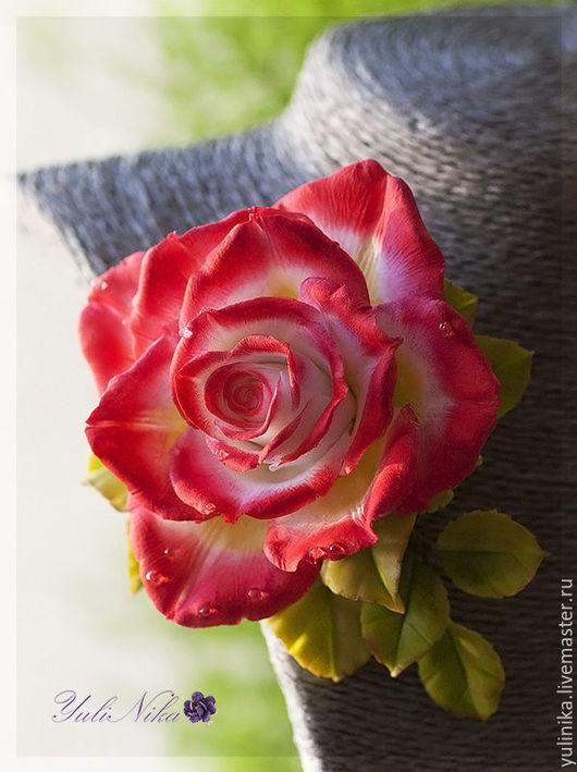 Заколки ручной работы. Ярмарка Мастеров - ручная работа. Купить Заколка с бело-красной розой. Handmade. Ярко-красный