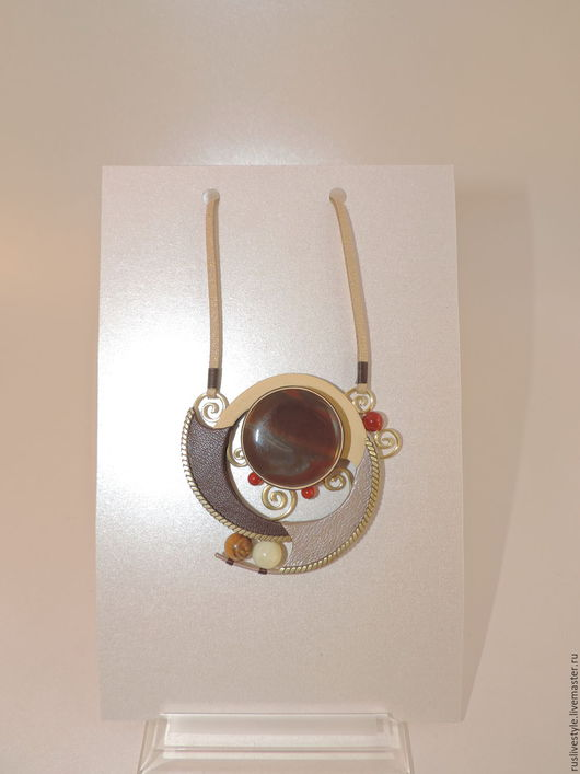 Кулоны, подвески ручной работы. Ярмарка Мастеров - ручная работа. Купить украшение из кожи кулон с сердоликом Ажур. Handmade. Коричневый