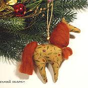 Куклы и игрушки ручной работы. Ярмарка Мастеров - ручная работа Елочные игрушки - лошадки-подвески). Handmade.