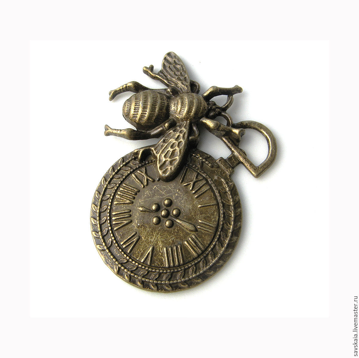 Pendant steampunk Bee and clock dimensions :4.2 cm x 4.2 cm a Hole 8.2 mm x 4.8 mm