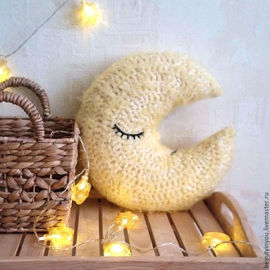 """Текстиль, ковры ручной работы. Ярмарка Мастеров - ручная работа. Купить Подушка """"Месяц"""" желтая. Handmade. Желтый, подушка в машину"""