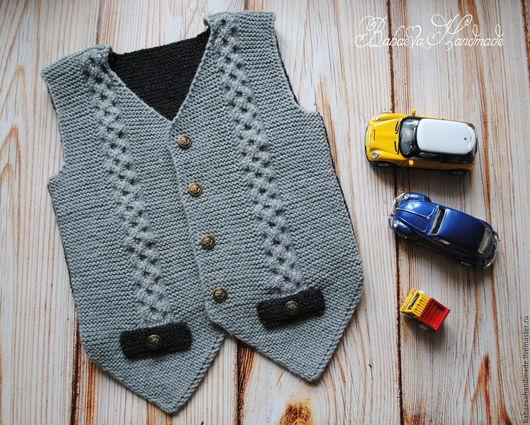 """Одежда для мальчиков, ручной работы. Ярмарка Мастеров - ручная работа. Купить Жилет для мальчика """"Денди"""" вязаный. Handmade. Однотонный"""