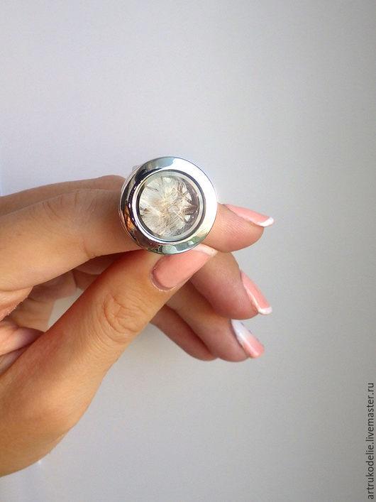 Кольцо с одуванчиками. Одуванчик за стеклом. Кольцо открывающееся на магните. Купить кольцо одуванчики. Купить кольцо с секретом