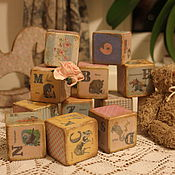 Куклы и игрушки ручной работы. Ярмарка Мастеров - ручная работа Деревянные кубики с английским алфавитом и цифрами. Handmade.