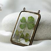 Украшения handmade. Livemaster - original item Transparent pendant, earrings with four-leaf clover made of epoxy resin. Handmade.