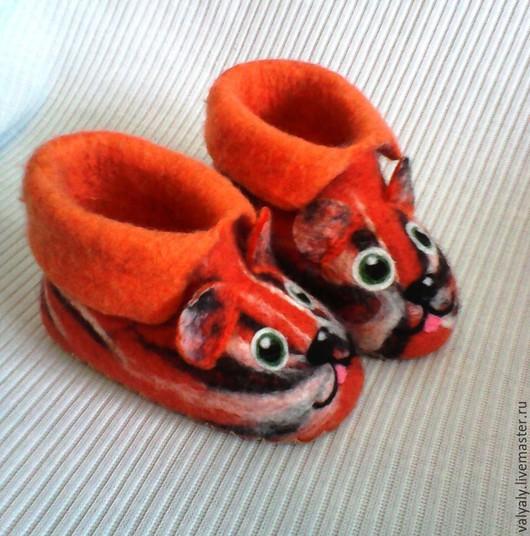 Обувь ручной работы. Ярмарка Мастеров - ручная работа. Купить валяные детские тапочки для примера. Handmade. Бирюзовый, подарок