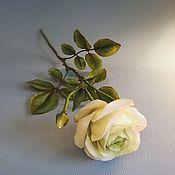 Цветы ручной работы. Ярмарка Мастеров - ручная работа Бело-зелёная розочка. Из холодного фарфора. Handmade.