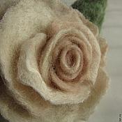 Украшения ручной работы. Ярмарка Мастеров - ручная работа Чайная роза брошь- кулон и роза кольцо,браслет роза из шелка и шерсти. Handmade.