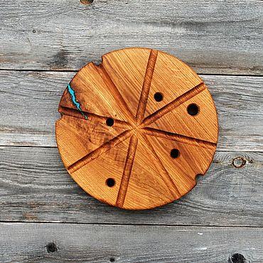 Посуда ручной работы. Ярмарка Мастеров - ручная работа Сырная доска из дуба с смолой. Handmade.