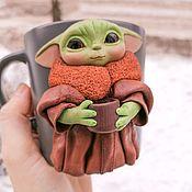 Подарки на 23 февраля ручной работы. Ярмарка Мастеров - ручная работа Кружка с малышом Йодой. Handmade.