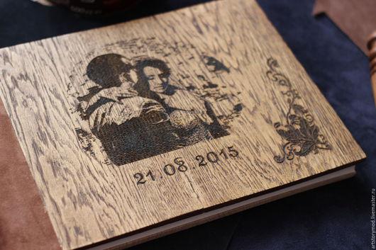 Свадебный фотоальбом от ArtStory - деревянная обложка из дуба, белые или чёрные листы с пергаментом