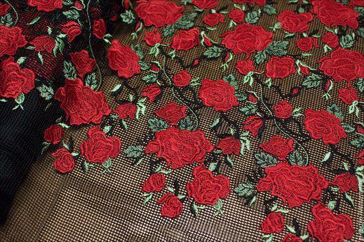 """Шитье ручной работы. Ярмарка Мастеров - ручная работа. Купить Вышивка на крупной сетке """"Розы"""". Handmade. Черный, dolce gabbana"""