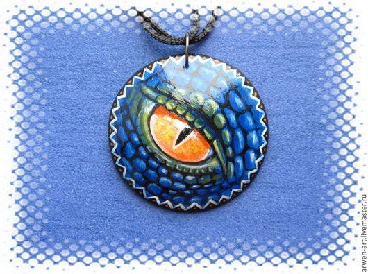 """Кулоны, подвески ручной работы. Ярмарка Мастеров - ручная работа. Купить Кулон деревянный с росписью """"Глаз дракона"""". Handmade."""