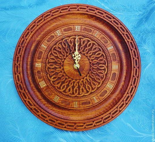 """Часы для дома ручной работы. Ярмарка Мастеров - ручная работа. Купить Часы """"Классика"""" настенные, бук.. Handmade. Резьба по дереву"""