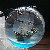 Украшения ручной работы. Ярмарка Мастеров - ручная работа Кулон из акриловой смолы с кораблем внутри. Handmade.
