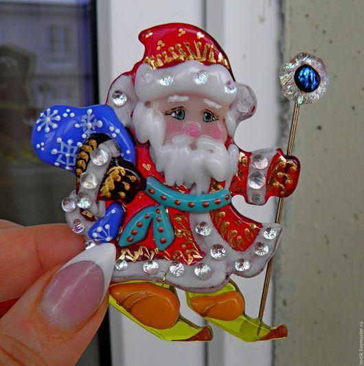 """Броши ручной работы. Ярмарка Мастеров - ручная работа. Купить Брошь """"Дед Морозик"""".Стекло.Фьюзинг.. Handmade. Ярко-красный"""