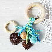 Одежда ручной работы. Ярмарка Мастеров - ручная работа Прорезыватель-кольцо малый с подвесками бирюзово-салатовый. Handmade.