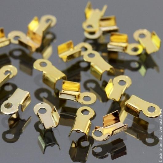 Концевики зажимы мини для шнуров цвета золото комплектами по 100 штук для использования в сборке украшений ручной работы