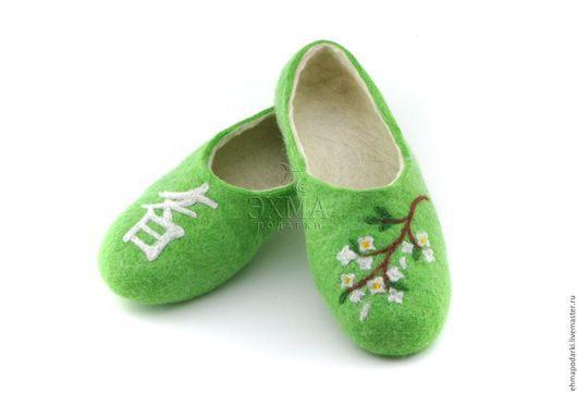 Обувь ручной работы. Ярмарка Мастеров - ручная работа. Купить Войлочные тапочки Мудрость. Handmade. Войлочные тапочки, дизайнерские тапочки