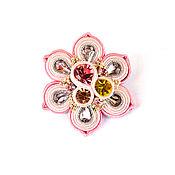 Украшения ручной работы. Ярмарка Мастеров - ручная работа Брошь Цветок с кристаллами в разных цветах. Handmade.