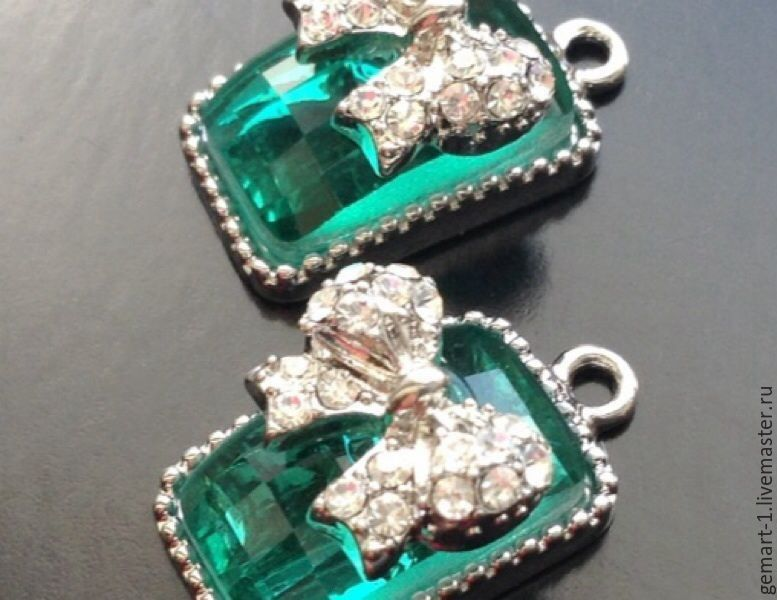 Pendant with green crystal art. 3-5 to  and a bow with cubic Zirconia, Pendants, Moscow,  Фото №1