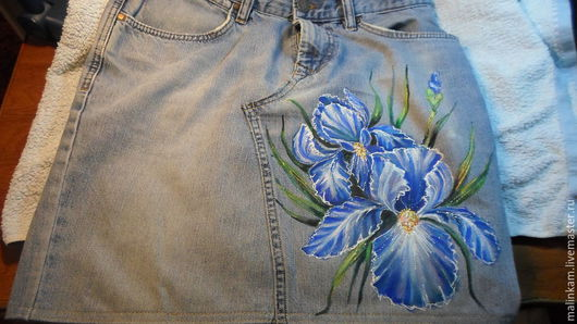 """Юбки ручной работы. Ярмарка Мастеров - ручная работа. Купить """"Ирисы"""" Роспись Юбка джинсовая. Handmade. Роспись по ткани, рисунок"""
