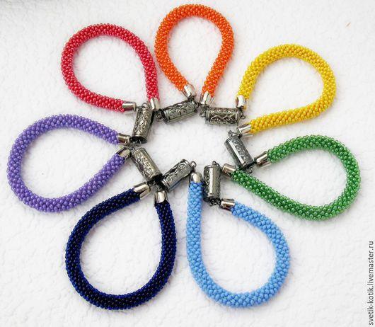 украшение, колье, жгут, жгут вязаный, украшение повседневное, украшение лето, украшение весна, солнце, радуга, позитив, весёлый, яркий, красный, зелёный, синий, оранжевый, жёлтый, голубой, сиреневый,