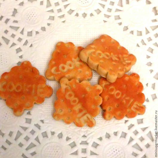 Еда ручной работы. Ярмарка Мастеров - ручная работа. Купить Печенье крекер 1,5 см кулинарная миниатюра для кукол из полимерной гли. Handmade.