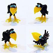 Куклы и игрушки handmade. Livemaster - original item Collectible micro figurine made of colored glass crow hamlet Ashotovich. Handmade.