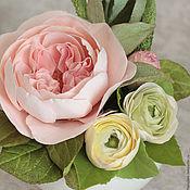 Цветы и флористика ручной работы. Ярмарка Мастеров - ручная работа Иллюзия миниатюра с пионовидной розой и лютиками. Handmade.