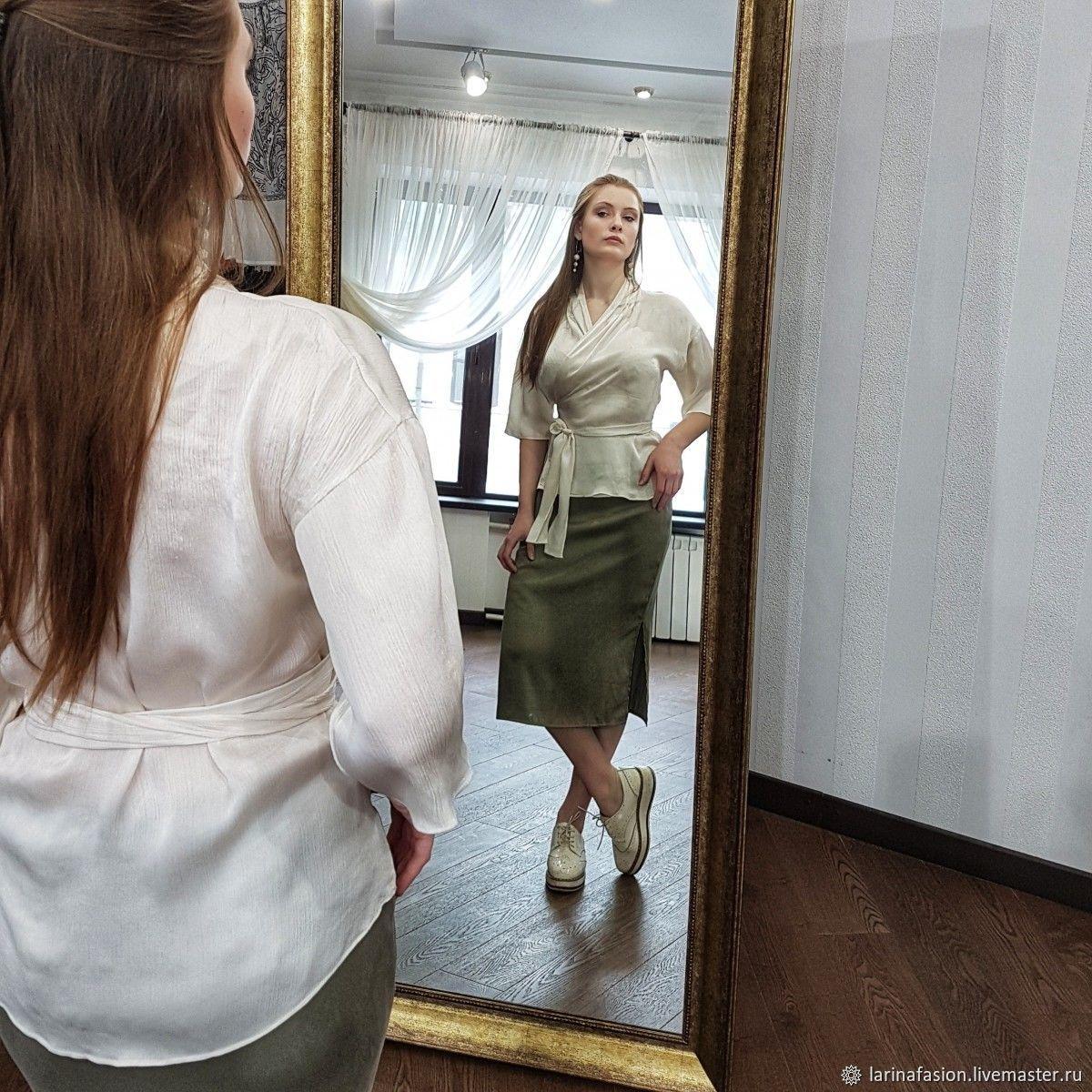 afa6e5478151 Шелковая белая блузка с запахом