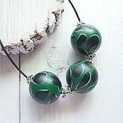 Украшения ручной работы. Ярмарка Мастеров - ручная работа GREENY - деревянные зеленые бусы на кожаном шнурке. Handmade.