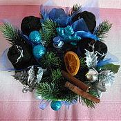 Подарки к праздникам ручной работы. Ярмарка Мастеров - ручная работа Новогодний букет из мужских носков в корзине. Handmade.