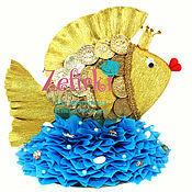 Сувениры и подарки ручной работы. Ярмарка Мастеров - ручная работа Золотая рыбка из конфет подарок на юбилей на день рождения монетки. Handmade.