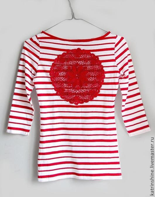 Футболки, майки ручной работы. Ярмарка Мастеров - ручная работа. Купить Белая в красную полоску футболка с ажурyой спиной Размер XS. Handmade.