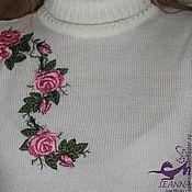 """Одежда ручной работы. Ярмарка Мастеров - ручная работа Вышивка на готовой водолазке """"Розовый куст"""" или на другой одежде. Handmade."""