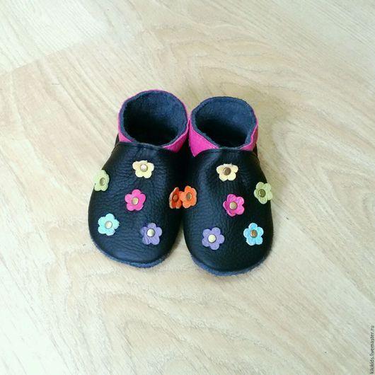 Детская обувь ручной работы. Ярмарка Мастеров - ручная работа. Купить Пинетки, чешки, мокасины Цветочки. Handmade. пинетки