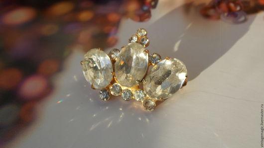 Брошь винтажная `Сoro` Sterling. Редкий великолепный экземпляр Crown  из стерлингового серебра. Украшение маркировано Сoro Sterling.