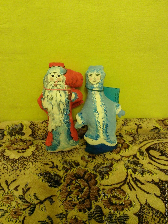 Новогодняя парочка: Дед Мороз и Снегурочка