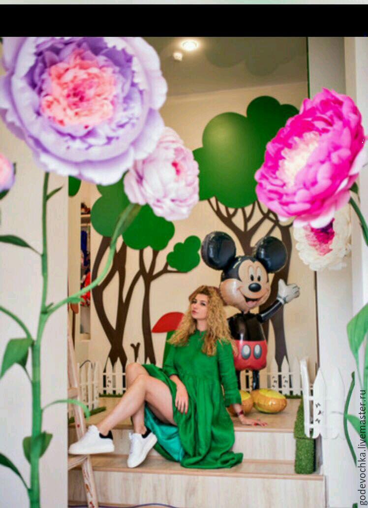 e8a937f0bd9ac Большие розы ,цветы из бумаги. Огромные цветы. Оформление витрин ...