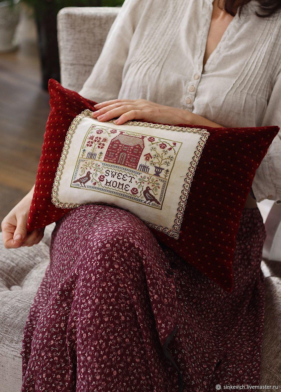 Подушка в винтажном стиле с вышивкой, Подушки, Киев,  Фото №1